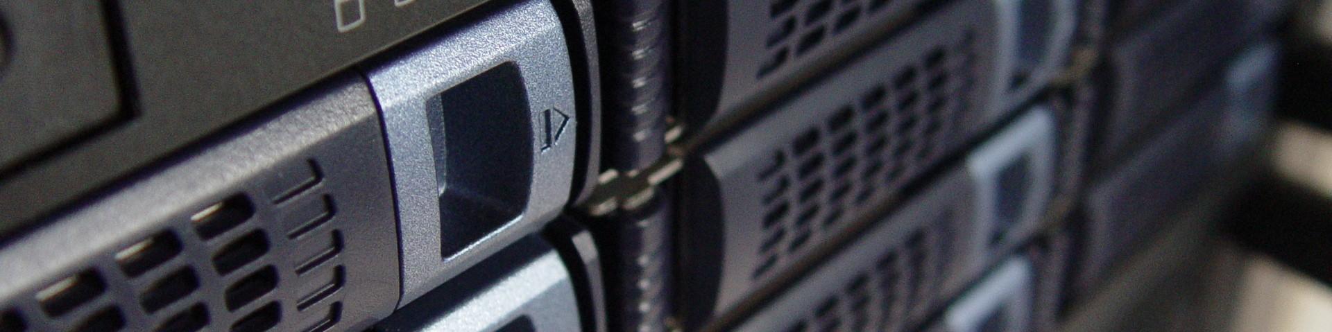 Maintenance de serveur, vente de matériel informatique